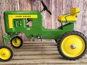 Black Friday Goes GREEN With The Kindelsperger John Deere Toy & Pedal Tractor Collection featured photo 8
