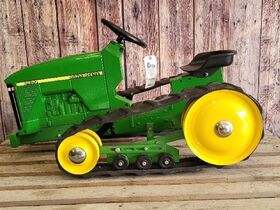 Black Friday Goes GREEN With The Kindelsperger John Deere Toy & Pedal Tractor Collection featured photo 10