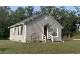 Andrew County MO. Real Estate Auction. Turn-key ready, one bedroom home with full basement.. featured photo 1