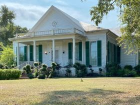 Spacious Historic Home in Grenada, MS featured photo 1