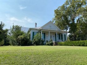 Spacious Historic Home in Grenada, MS featured photo 2