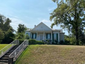 Spacious Historic Home in Grenada, MS featured photo 4