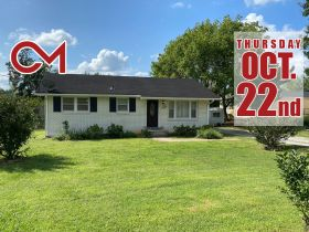 SELLING ABSOLUTE! 5-Room Building Zoned Commercial C-2 - Many Possibilities - Close to I-24 & Nashville Hwy featured photo 1