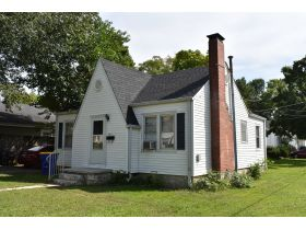 8 ADJOINING SINGLE FAMILY INCOME PROPERTIES ON CABELL DR. & KENTON ST. featured photo 4