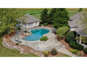 Captivating 4 Bedroom, 4 Bath Home on 21+/- Acres | McLeansboro, IL featured photo 3