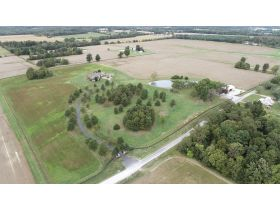 Captivating 4 Bedroom, 4 Bath Home on 53+/- Acres | McLeansboro, IL featured photo 4