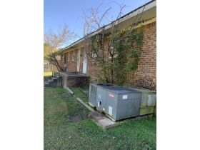 ABSOLUTE ONLINE AUCTION**MONEY MAKING DUPLEX ON K. STREET IN MARTIN TN**GREAT INVESTMENT PROPERTY featured photo 6
