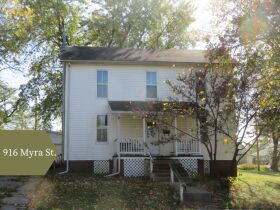 Six Properties - Income Properties or First Homes, Sell To High Bidder In Moberly, MO featured photo 4