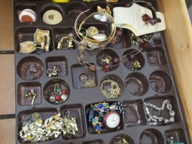 Furniture, Jewelry, Home Furnishings, Tools & Personal Property at Absolute Online Auction featured photo 6