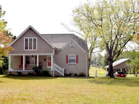 AUCTION: 3 BR, 3.5 BA Home on 2.59+/- Acres in Rutherford County with Bonus Room, Basement, Pool and Large Shed - Easy Access to 840 & Lake featured photo 2
