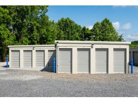 4 Location Multi Property Storage Unit Business Commercial Online Auction featured photo 4