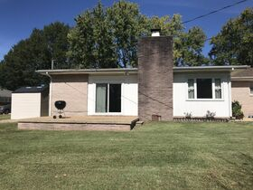 AUCTION: Rare Opportunity to Own Mid-Century Ranch Home in Middle Tennessee featured photo 11