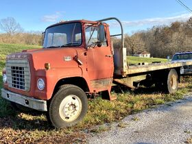 Kruer Estate Vintage Tractor & Antiques Online Only Auction featured photo 4