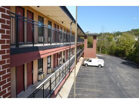 120 Room Lodge at the Falls Hotel in Branson, MO featured photo 12