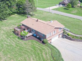 """Online Only - Brick Ranch """"1 Owner"""" Home on 9 Acres featured photo 6"""