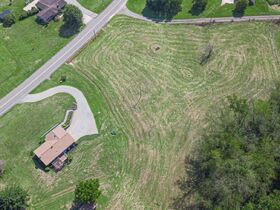 """Online Only - Brick Ranch """"1 Owner"""" Home on 9 Acres featured photo 11"""