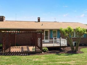 """Online Only - Brick Ranch """"1 Owner"""" Home on 9 Acres featured photo 5"""