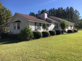 Beautiful Country Home   3 Bed, 2½ Bath With Bonus Room featured photo 5