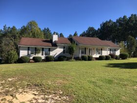 Beautiful Country Home   3 Bed, 2½ Bath With Bonus Room featured photo 4