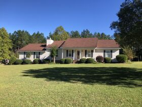 Beautiful Country Home   3 Bed, 2½ Bath With Bonus Room featured photo 3