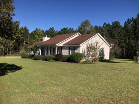 Beautiful Country Home   3 Bed, 2½ Bath With Bonus Room featured photo 6