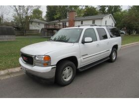 2006 GMC Yukon, Glass Collectibles, Home Furnishings, Home Decor, & More! featured photo 2