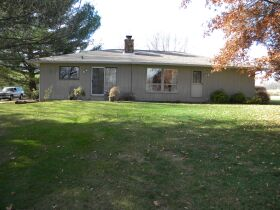 Real Estate Auction Living Estate of Marvin & Irene Douglas featured photo 2