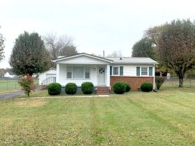 ESTATE AUCTION featuring 5 Room Home on 1+/- Acre in Incredible Location! featured photo 2