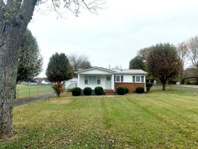 ESTATE AUCTION featuring 5 Room Home on 1+/- Acre in Incredible Location! featured photo 3