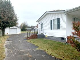 ESTATE AUCTION featuring 5 Room Home on 1+/- Acre in Incredible Location! featured photo 5