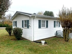 ESTATE AUCTION featuring 5 Room Home on 1+/- Acre in Incredible Location! featured photo 7
