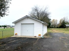 ESTATE AUCTION featuring 5 Room Home on 1+/- Acre in Incredible Location! featured photo 8