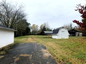 ESTATE AUCTION featuring 5 Room Home on 1+/- Acre in Incredible Location! featured photo 9