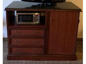 Quality Inn Remodeling Sale - All Furniture Must Go! featured photo 1