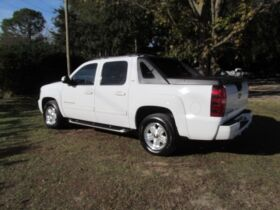 Chevrolet Avalanche with 4WD! featured photo 3