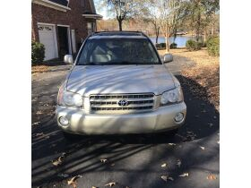 2003 Toyota Highlander Limited featured photo 3