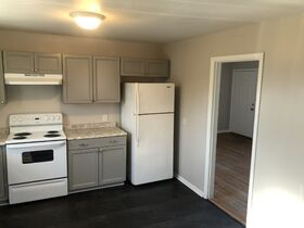 """AUCTION featuring Renovated & """"Move-in Ready"""" 3 BR/1.5 BA - Ranch Style Home featured photo 11"""