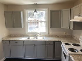 """AUCTION featuring Renovated & """"Move-in Ready"""" 3 BR/1.5 BA - Ranch Style Home featured photo 12"""