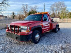 ONLINE AUCTION: Maney Avenue Service Station Liquidation! Classic Cars - Wrecker - Trucks - Tools and More! featured photo 5