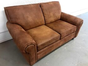 DOWNSIZING & MOVING AUCTION: LEATHER FURNITURE   NFR & COLLECTIBLE BELT BUCKLES   HOME DECOR   LAWNMOWER featured photo 5