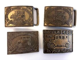DOWNSIZING & MOVING AUCTION: LEATHER FURNITURE   NFR & COLLECTIBLE BELT BUCKLES   HOME DECOR   LAWNMOWER featured photo 9