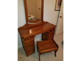 Quilts, Furniture, Art, Glassware Online Auction featured photo 1