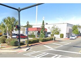 Commercial/Retail Building | Great Location featured photo 3