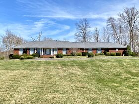 Corydon Brick Ranch Real Estate Online Only Auction featured photo 2