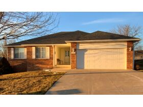 Wonderful Family Home In Springdale Estates Offered At Online Auction - Columbia, MO featured photo 3