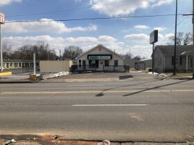 GREAT COMMERCIAL PROPERTY ON US 31W BYPASS featured photo 1
