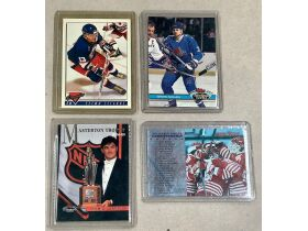 The Sandy Dobbrow Sports Memorabilia Collection Auction No.6 - Online Only featured photo 12