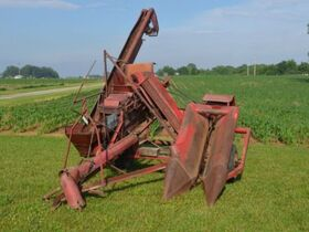 Roger & Chris Clark Ford Implements and Parts featured photo 4