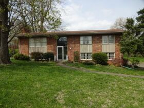 BRICK HOME - 3 BEDROOMS - 3 BATHROOMS - BASEMENT - Online Bidding Only - Ends TUE, MAY 4 @ 4:00 PM EDT featured photo 3