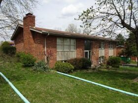 BRICK HOME - 3 BEDROOMS - 3 BATHROOMS - BASEMENT - Online Bidding Only - Ends TUE, MAY 4 @ 4:00 PM EDT featured photo 4